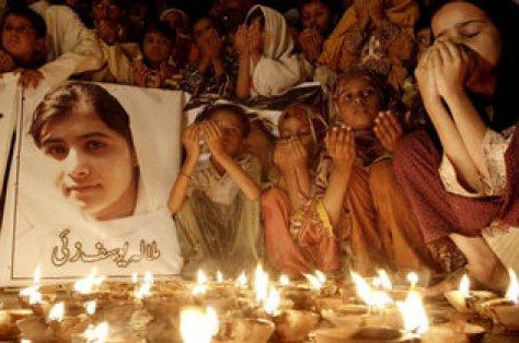 Malala Yousufzai, que fue baleada por los talibanes por defender el derecho de las niñas y las mujeres a estudiar.Shakil Adil / AP