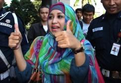 istri fathanah5