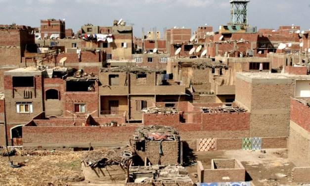 EGITTO. El Sisi è il nuovo Robin Hood: toglie ai poveri per dare ai ricchi