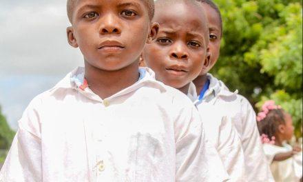 AFRICA. Nigeria, i genitori chiedono al governo di fare qualcosa per liberare i figli rapiti
