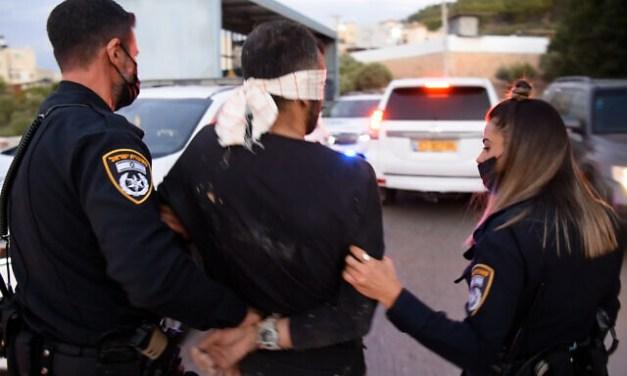 ISRAELE. Catturati 4 palestinesi evasi, la fuga continua per altri 2