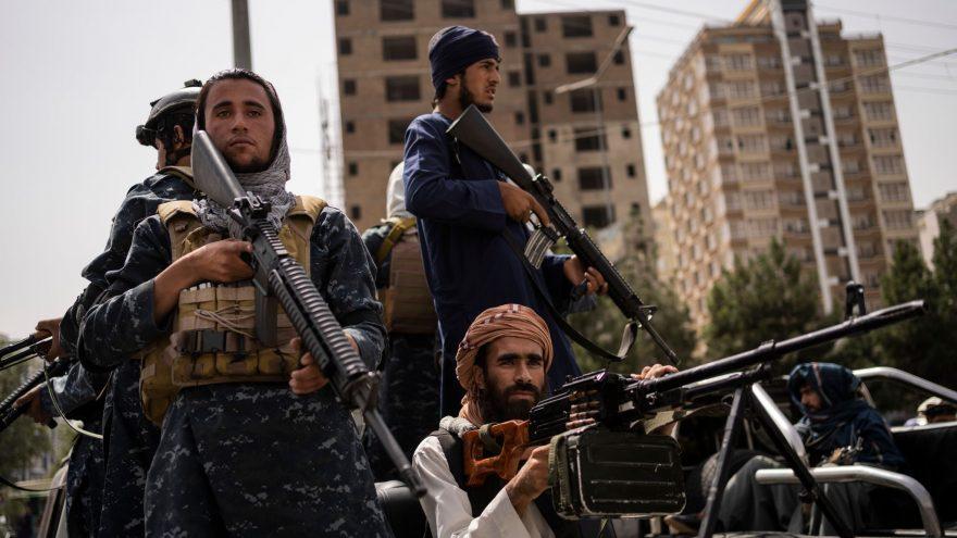 ANALISI. Afghanistan, i motivi dello scontro Isis-Talebani.