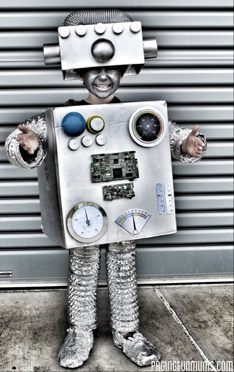 Coolest Hat Ever >> How to make the coolest Robot Costume Ever!