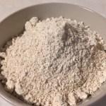 Fulgi de ovăz măcinați pentru chec cu fulgi de ovăz și semințe de mac