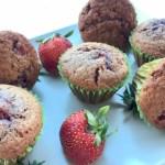 Brioșe cu budincă de vanilie și căpșune nedecorate