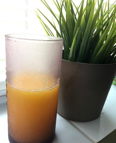 Gelatină cu suc de portocale pentru consum împotriva durerilor de spate
