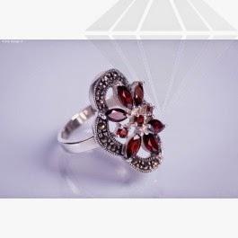 kolok.ro-inel-din-argint-cu-floare-din-granat-konfi02-3