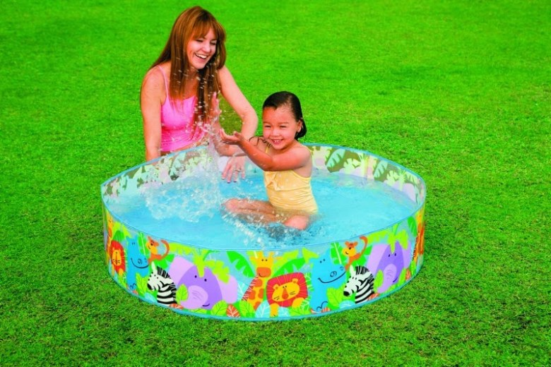 758474-HAPPY-ANIMALS-CLEARVIEW-SNAPSET-POOL1398264687_14959_1