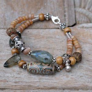 Bracelet labradorite, moonstone, agate Dzi, rudraksha and old Afghan silver beads