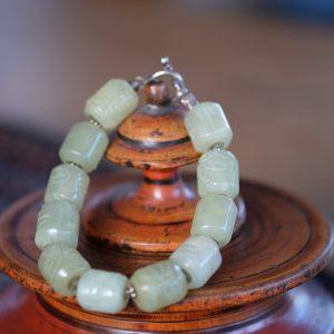 Jade beaded bracelet