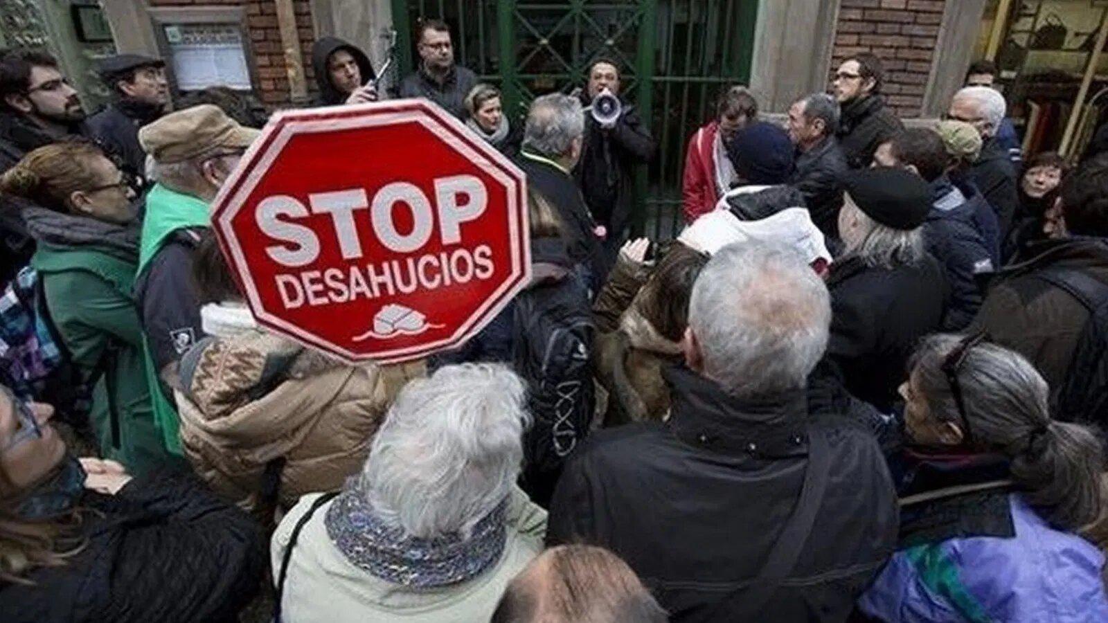 Read more about the article [Análisis y valoración] El Decreto Stop Desahucios: nuevo trato de favor a la banca y fondos buitre