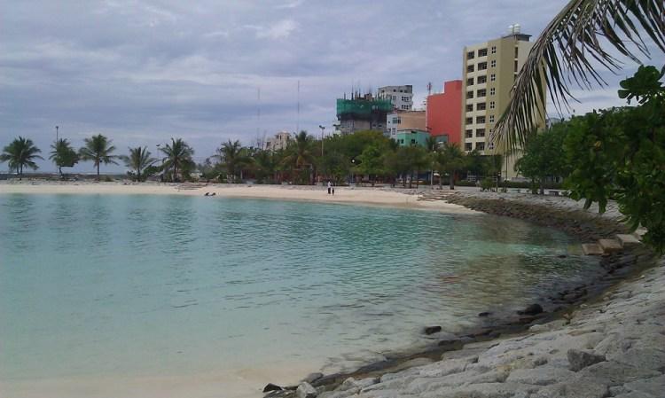 Недорогое жилье в Мале и все отели на Мальдивах