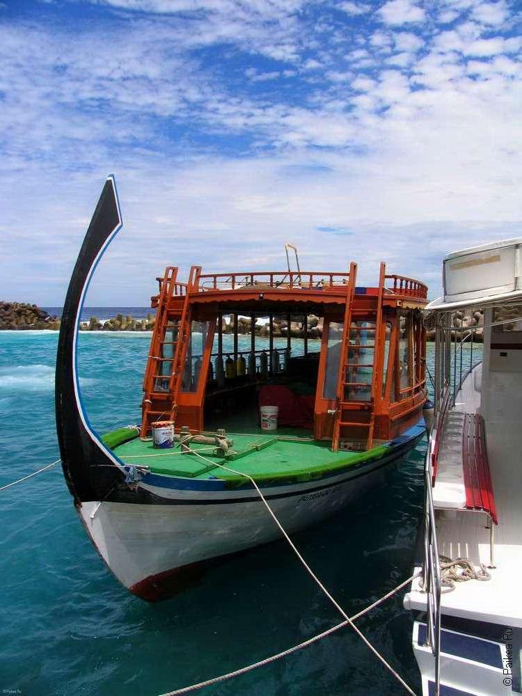 Традиционная лодка дони