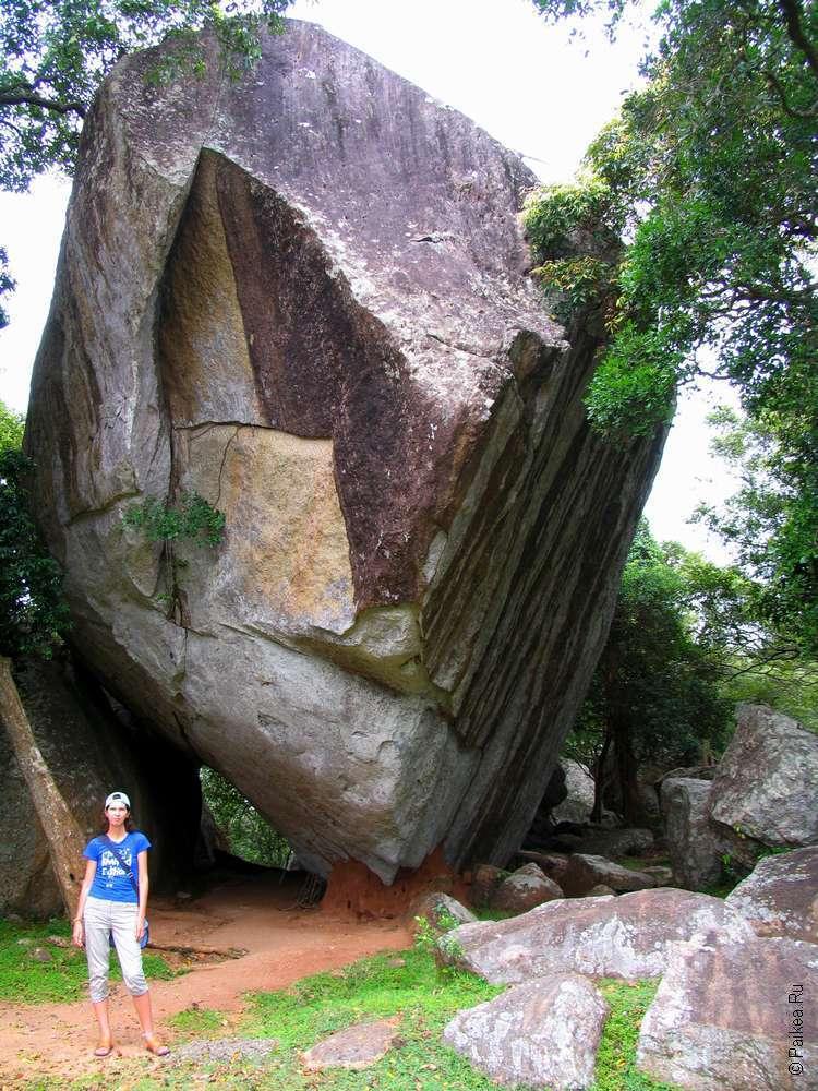 Балансирующий камень в Михинтале