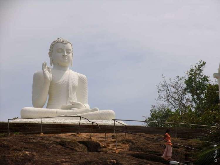 Образ Будды в Михинтале создан в конце XX века