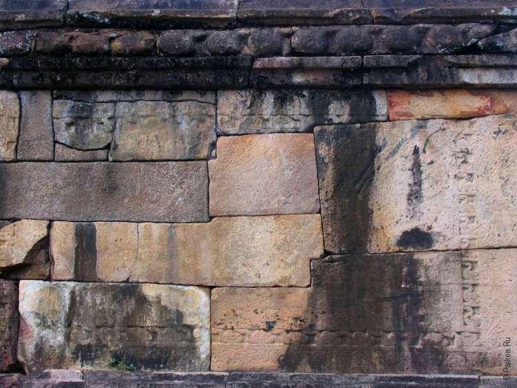 Полоннарува каменные блоки