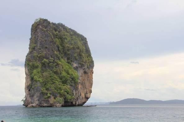Одинокий утёс в море экскурсия 4 острова краби