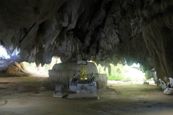 Монастырь и центр випассаны Там Суа Као Кео, Краби, Таиланд 18