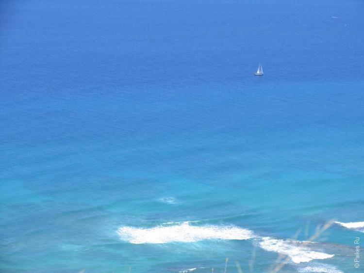 вода у побережья тихого океана на гавайях
