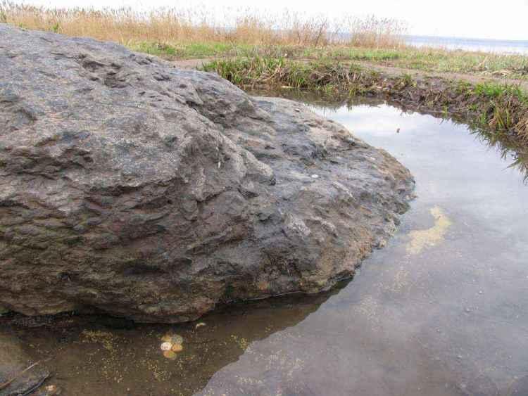 Плещеево озеро синий камень фото