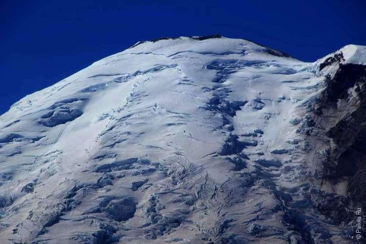 Ледник в горах маунт рейнир