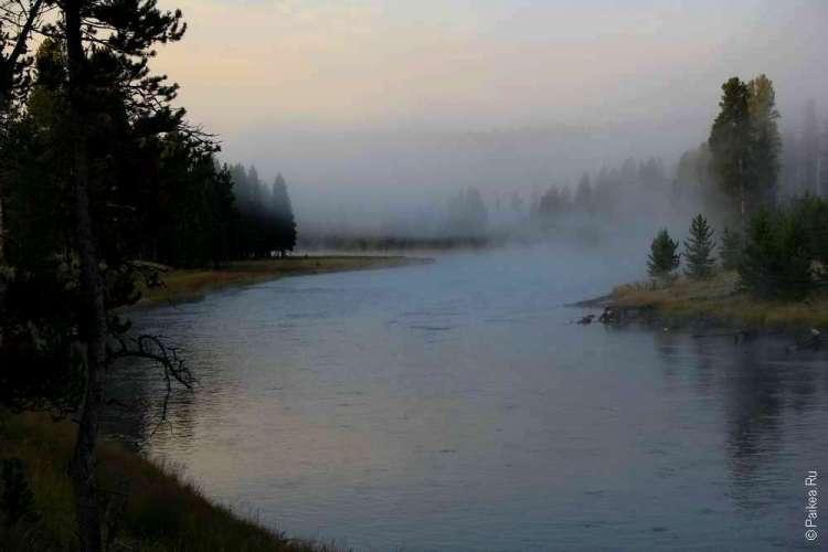 Огненная река в Йеллоустоунском национальном парке