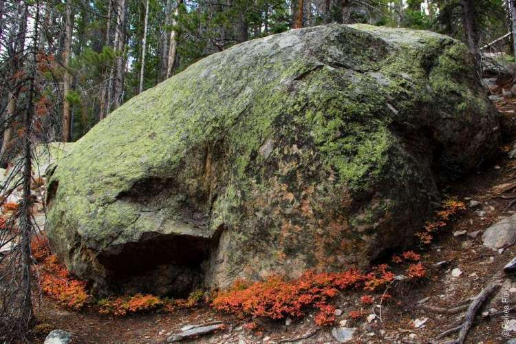 Живописный камень