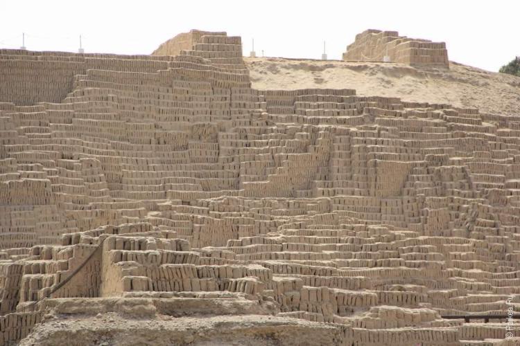 Уака Пукджама, Лима, Перу (Huaca Pucllama, Lima, Peru)