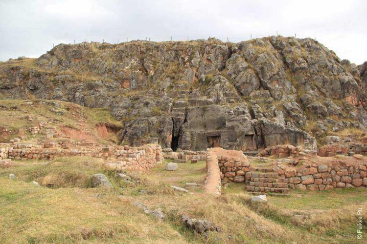 Амару марка уаси, Перу (Amaru marca wasi, Templo de la Luna, Peru)