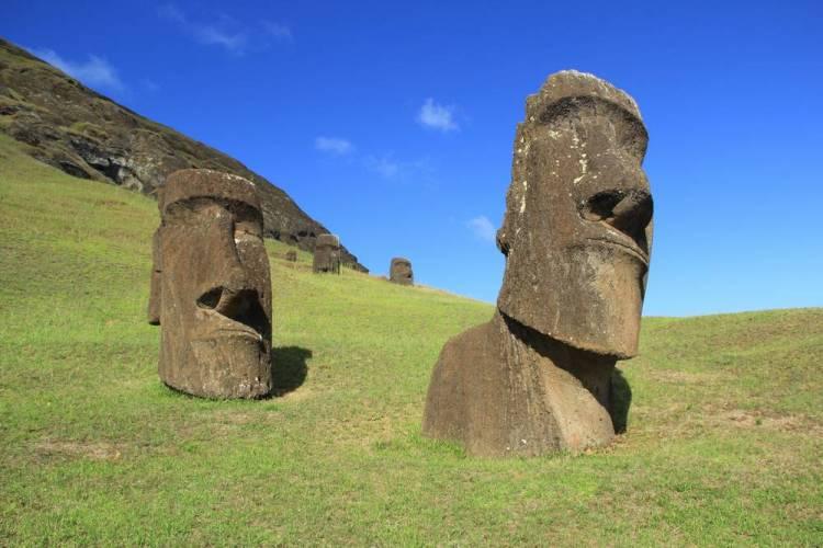 Разумная экономия позволила нам даже увидеть остров Пасхи, мою мечту с детства
