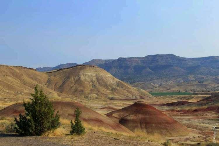 Песочный и красный холмы в Пейнтед хиллз