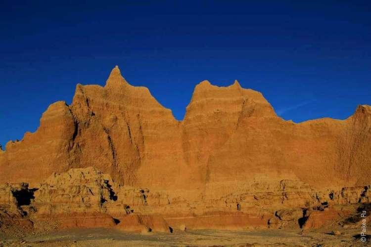 Скалы и небо