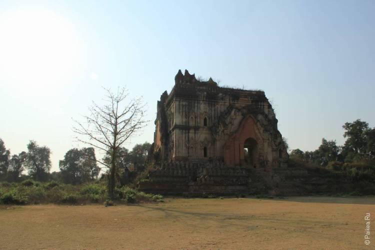 разрушенный храм в Мьянме