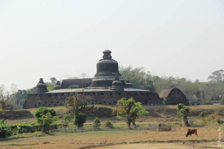 пагода в городе Мраук-У, Мьянма