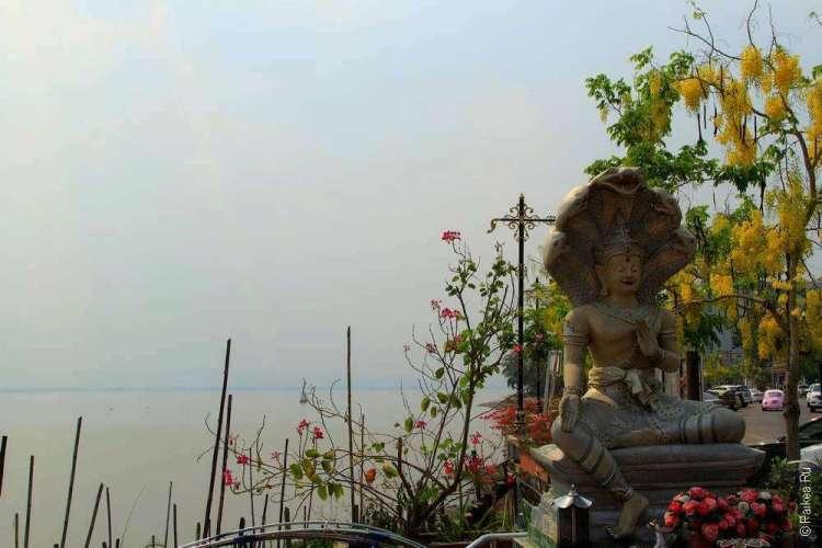 Будда на набережной