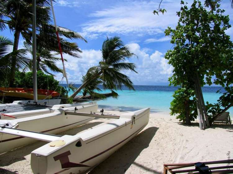Водный центр на мальдивском пляже