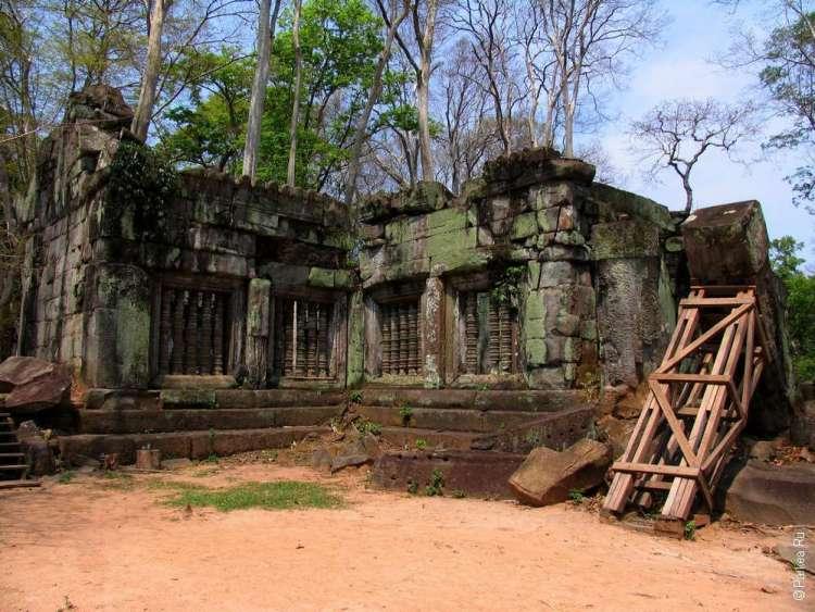 Прообразы галерей в комплексе Ангкор Ват