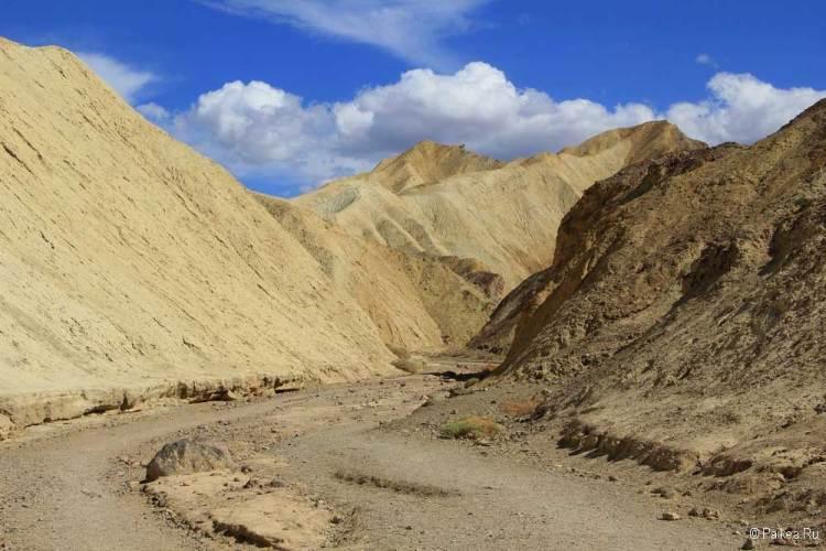 Долина Смерти Золотой Каньон