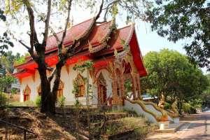 Храм Ват Муай Тор Мае Хонг Сон