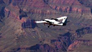 Полет над Гранд-Каньоном на самолете