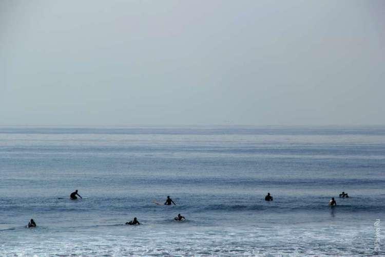 Серфинг на пляже Малибу
