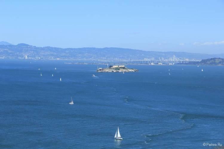 Мост Золотые Ворота в Сан-Франциско Алькатрас