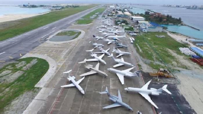 стоянка самолетов в аэропорту Мале
