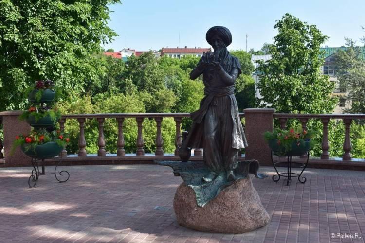 Памятник Старик Хоттабыч Витебск