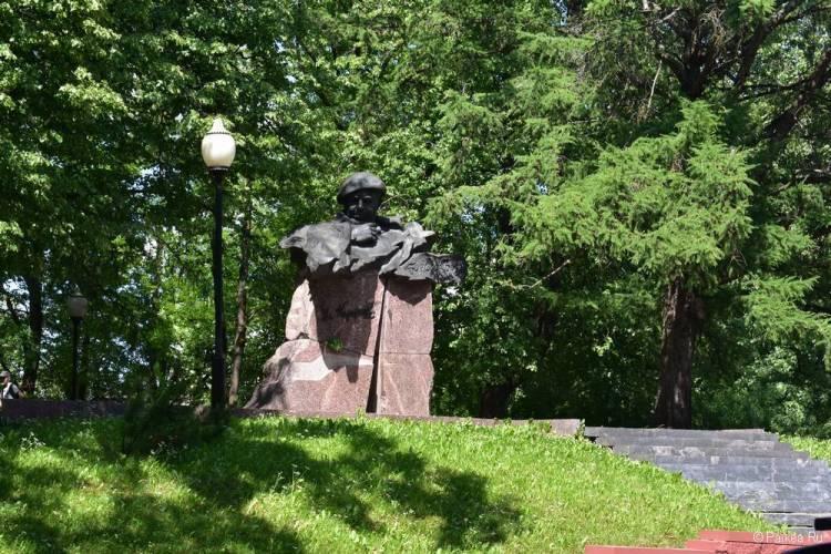 Памятник Короткевичу, Витебск