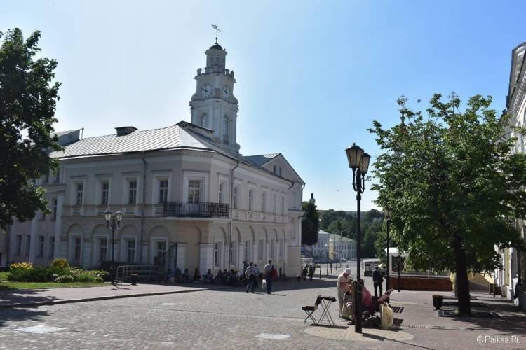 Ратуша и башня с часами в Витебске