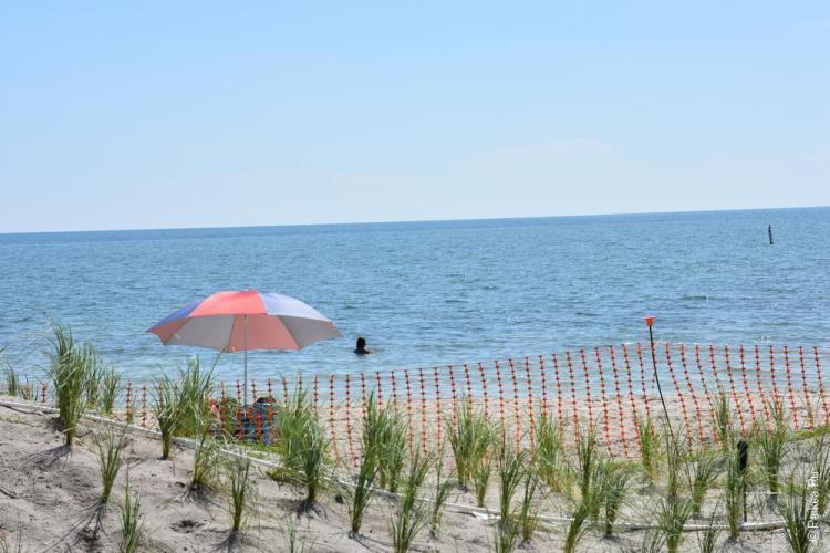 пляж сомбреро бич зонтик