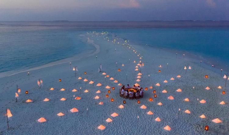 отели на мальдивах с песчаной косой soneva fushi