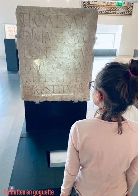 stèle romaine
