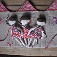 Ein Puppenhäuschen/ Une maison de poupées